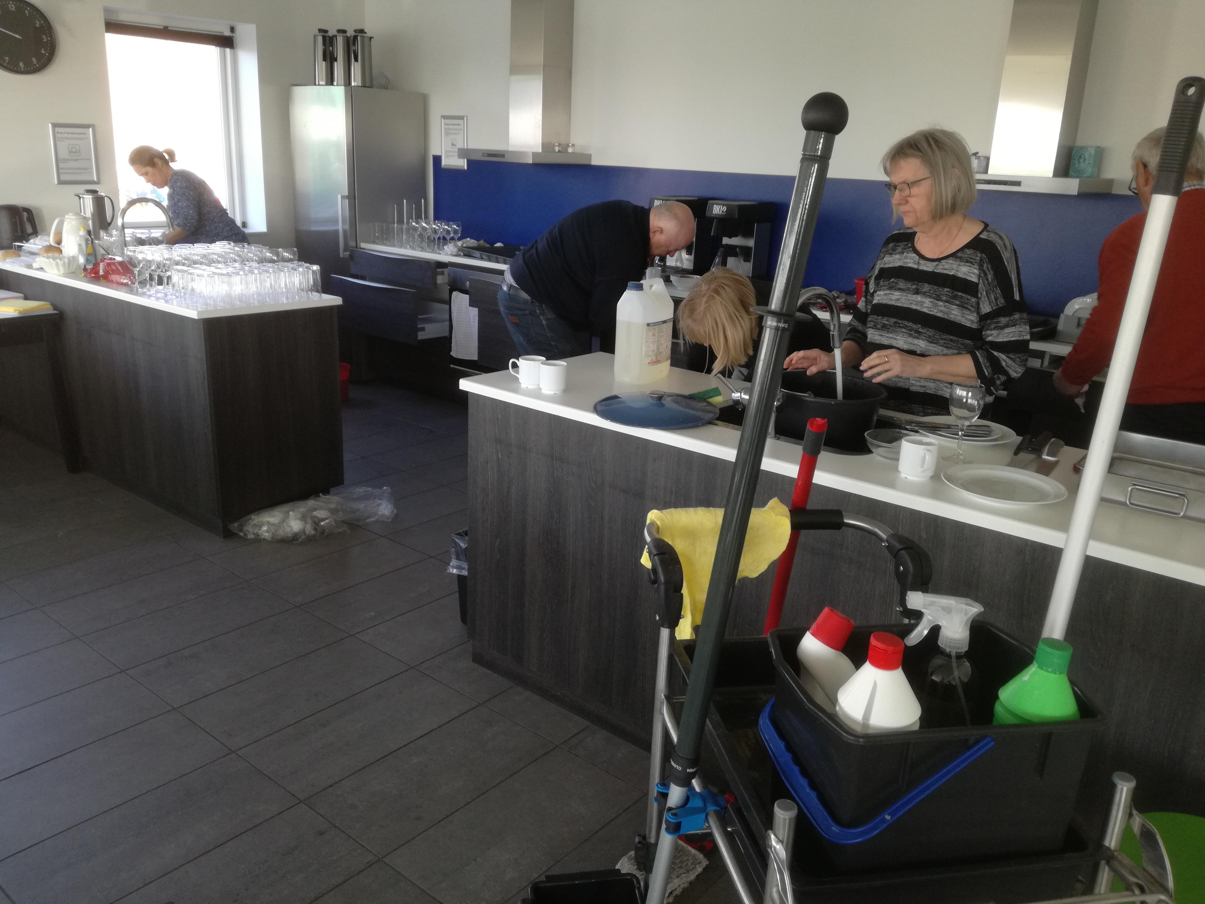 Forårsrengøring i Havnehuset - hovedrengøring i køkken