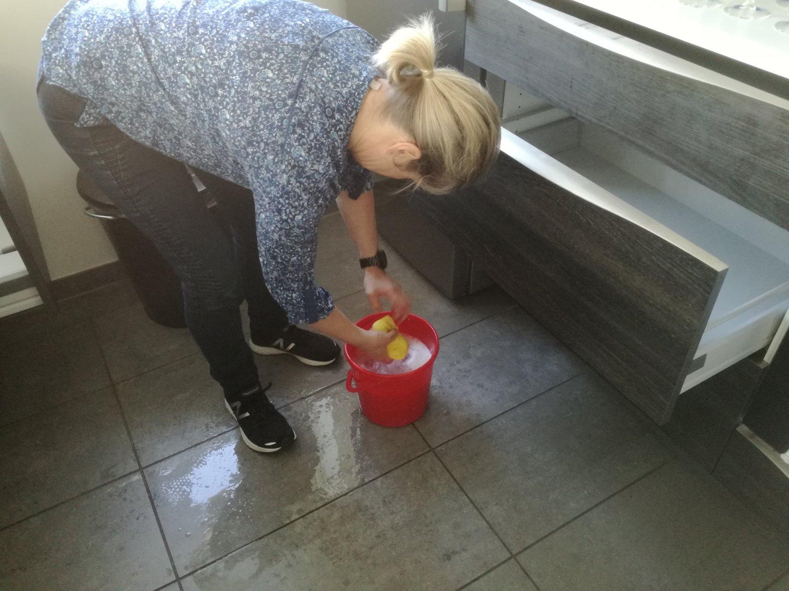 Forårsrengøring i Havnehuset - Skuffer og skabe rengøres